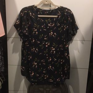 Ann Taylor Flutter sleeve blouse